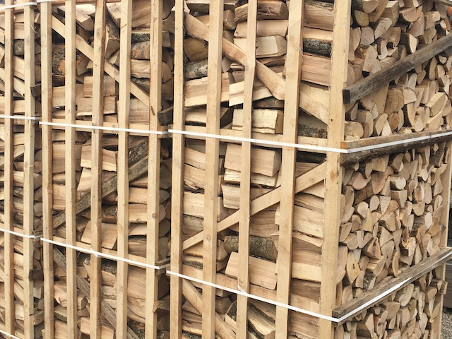 Kaminholz in Korschenbroich von Ramrath-Holz
